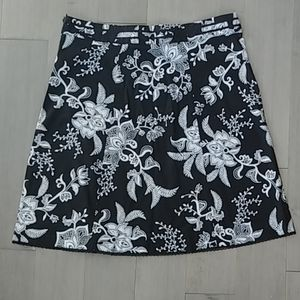 Women's Black and White Flower/Leaf Printed Skirt